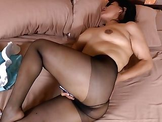 Latina Cougar Anabella Gets Thrilled In Nylon Pantyhose