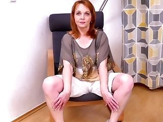 Euro Mummy Elisabeth Strips Off And Fumbles Her Shaven Cunt