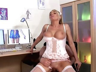 Blonde Nurse And Sexy Brunettes Suck Dick In A Hospital