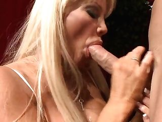 Hot Cougar Gets Johnny's Schlong After Opera Perfomance