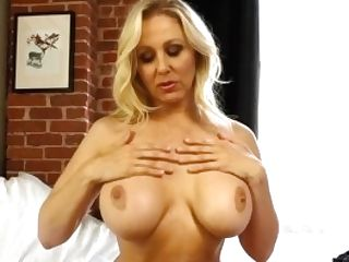 Mega Hot Mummy Julia Ann Soaks Her Undies In Cunny Juice!