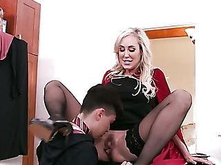 Wickedly Sexy Mummy Brandi Love Wants To Fuck This Magician