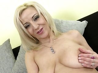 Posh Matures Mom With Saggy Tits And Thirsty Cunt